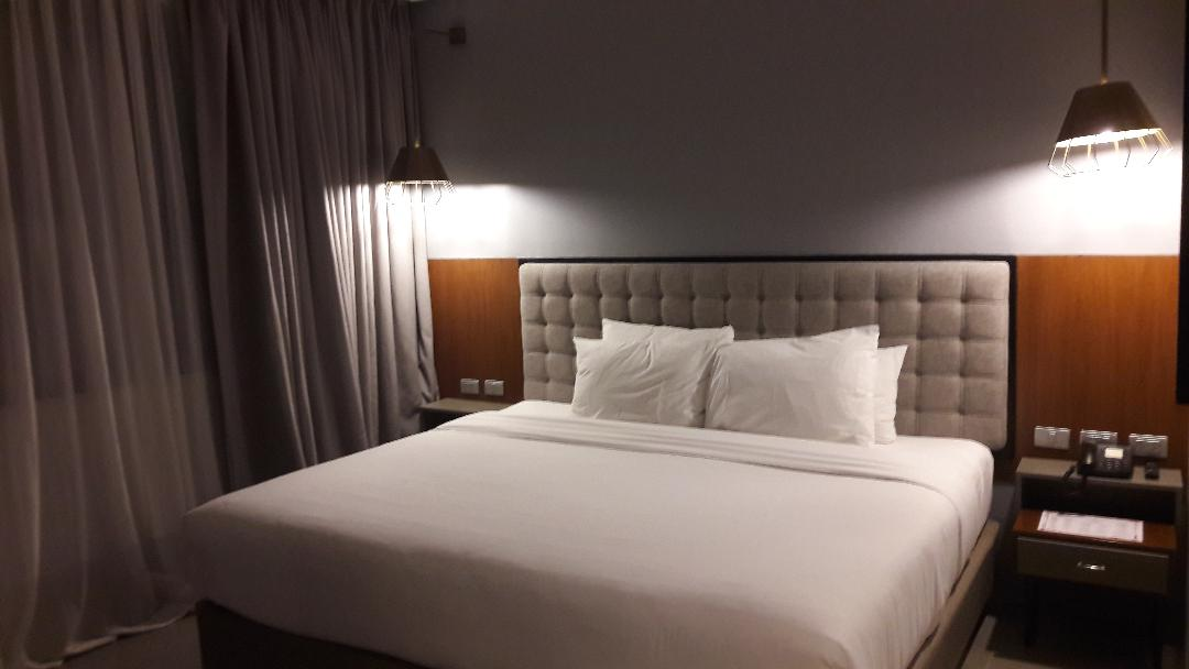 cebu-summit-gallery-hotel-bedroom-nov18
