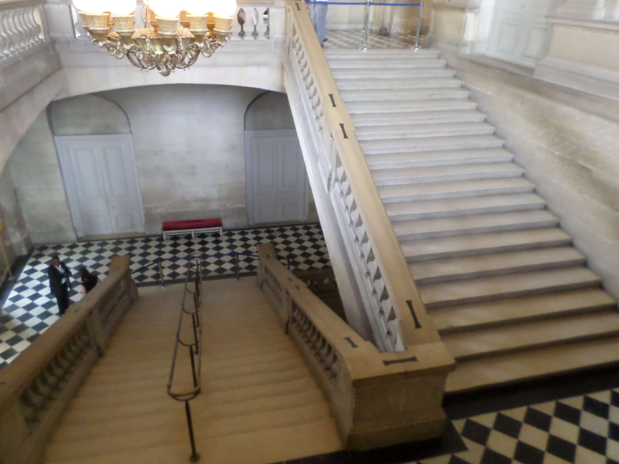 Versailles stair to salon des nobles jun15