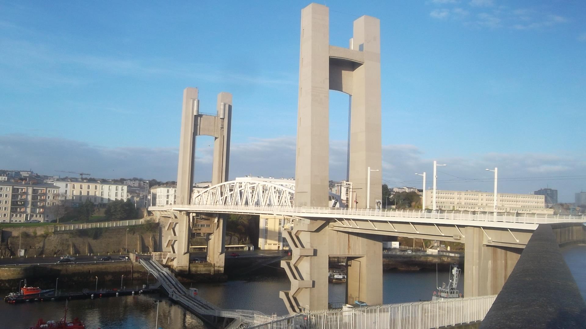 brest pont de recouvrance castle side nov13