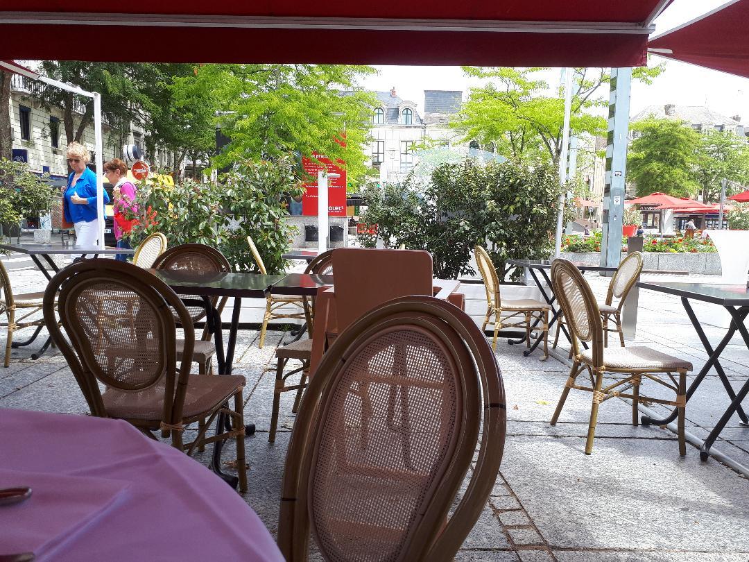 cholet brasserie le grand cafe resto to pl travot jul20