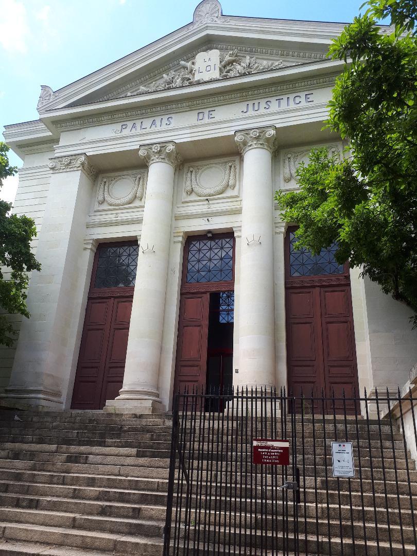 cholet palais de justice tribunal front Rue François Tharreau jul20