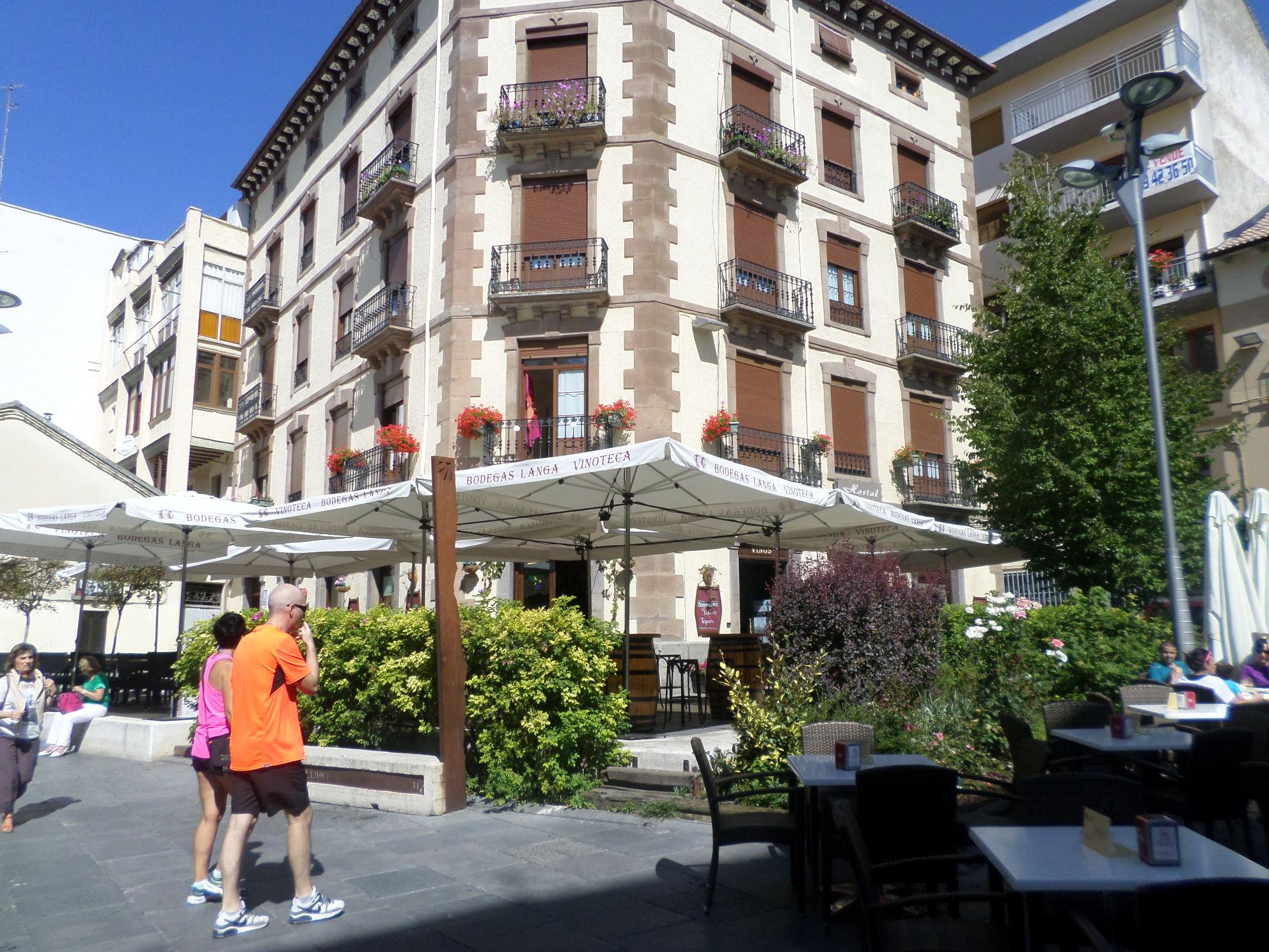 Jaca plaza san pedro bodegas langa aug14