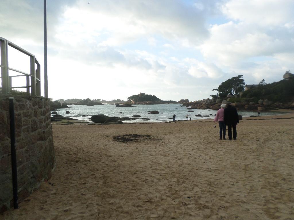 perros guirec plage de saint guirec mar16