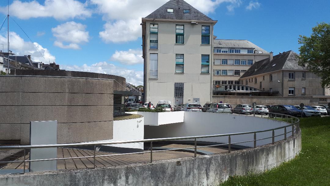 vannes parking de la republique back of post office jul20