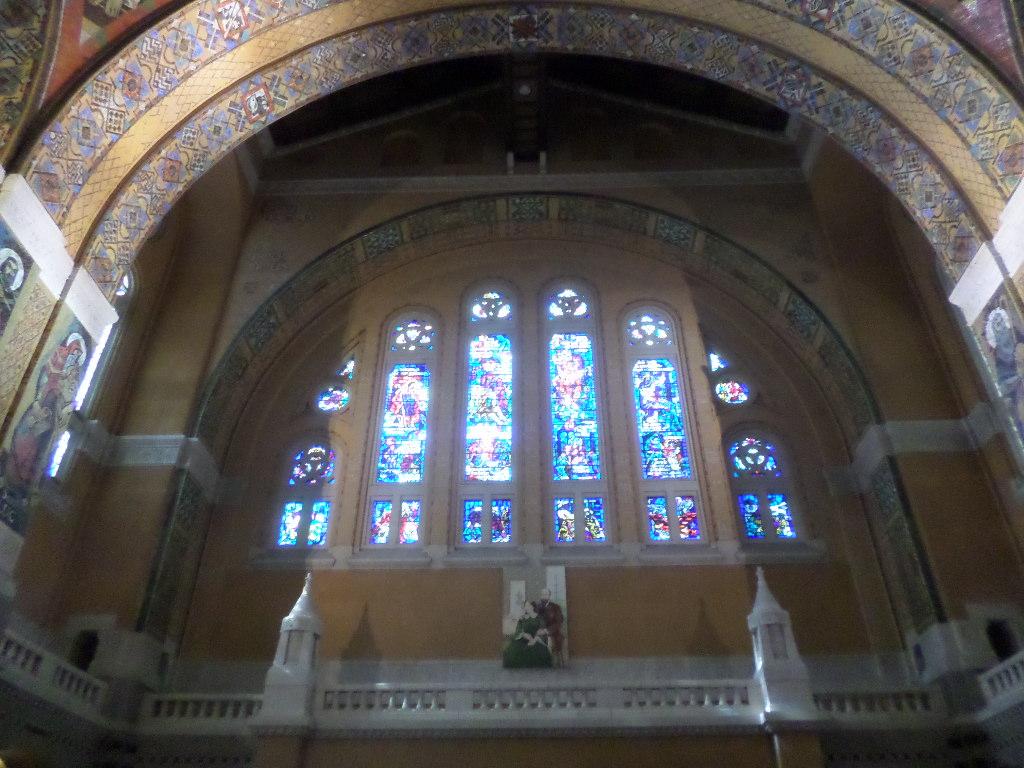 Lisieux basilica sainte thérèse arriving aug20