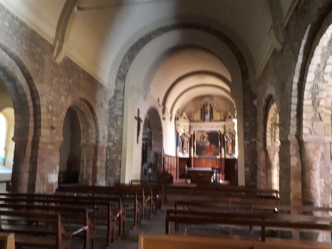 plumergat ch Saint Thuriau nave to altar aug20