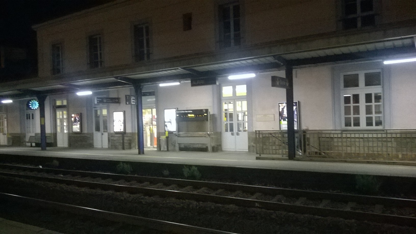 auray gare back from ter train night dec15