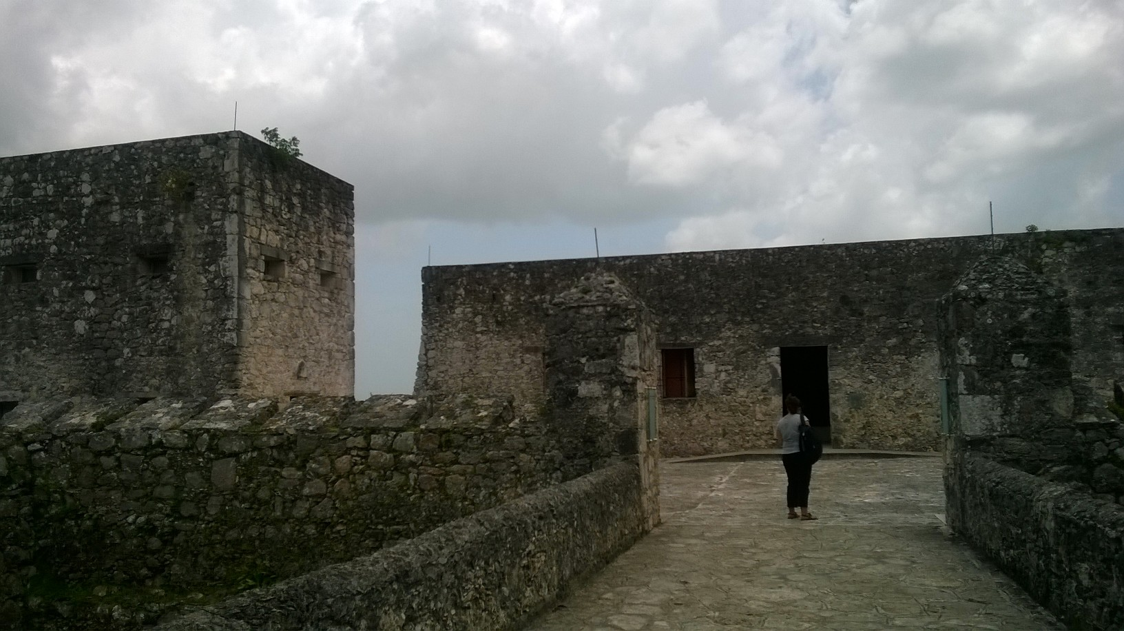 bacalar-fortress-san-felipe-entrance-jul14