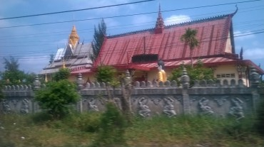 ca mau Monivongsa Bopharam Temple is a Khmer temple side passing mar16