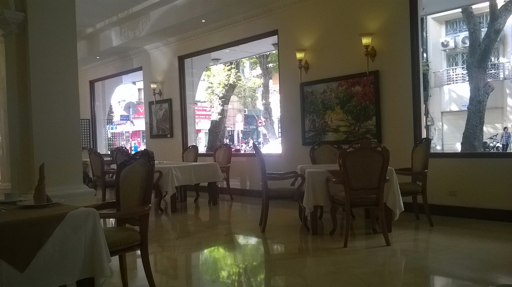 hcmc-grand-hotel-breakfast-business-left-mar16