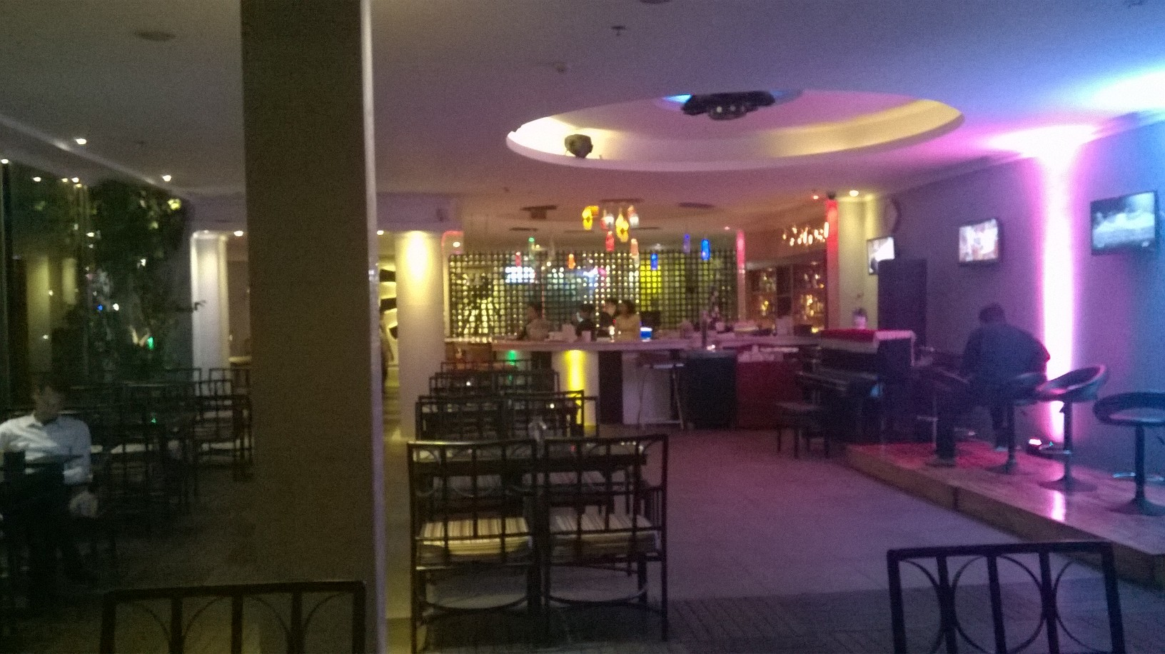 hcmc-grand-hotel-grand-cafe-bar-mar16