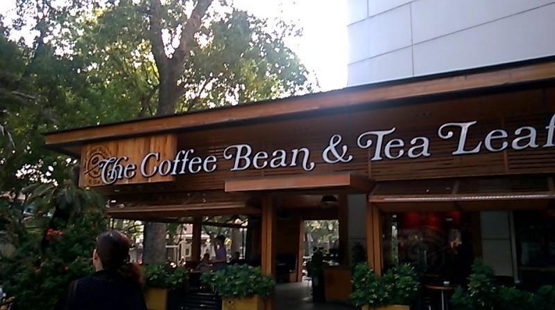 hcmc-the-coffee-bean-tea-leaf-resto-entrance-mar16