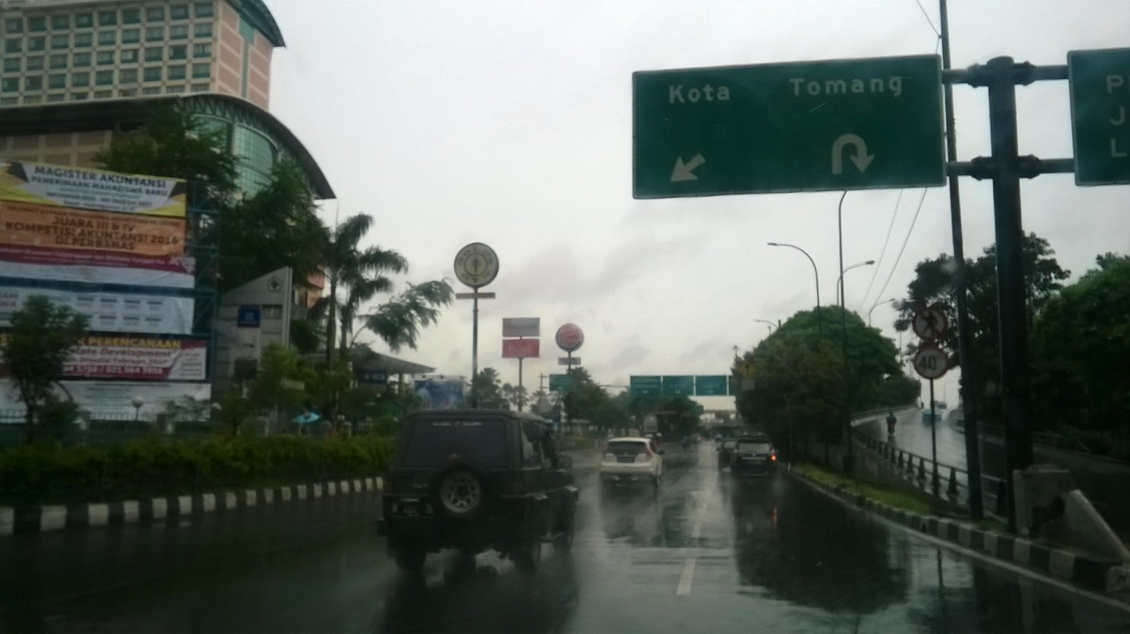 jakarta-road-to-ho-raining-nov16