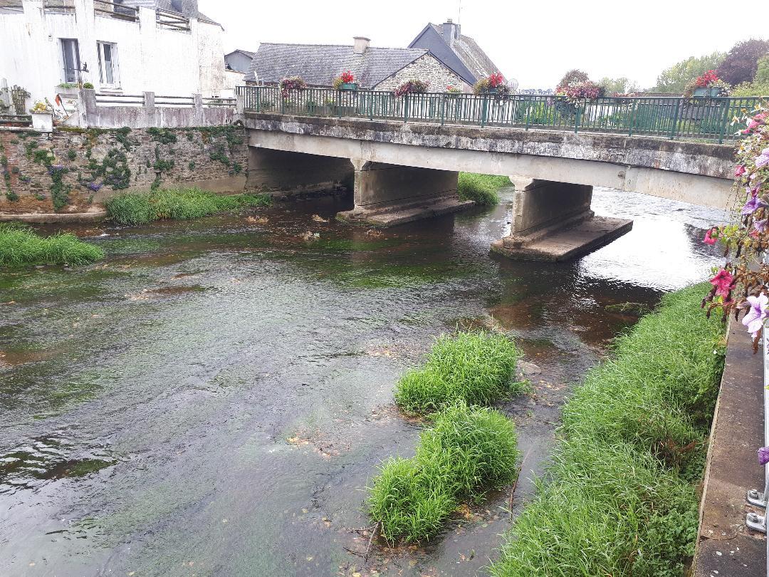 la cheze pont on D778 road over la lie river sep20
