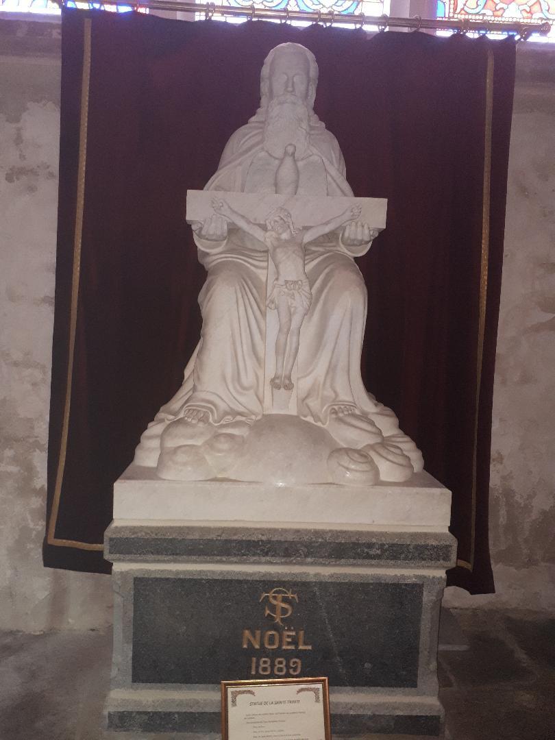 la trinite porhoet ch abbey de la Trinité statue Sainte Trinité sep20