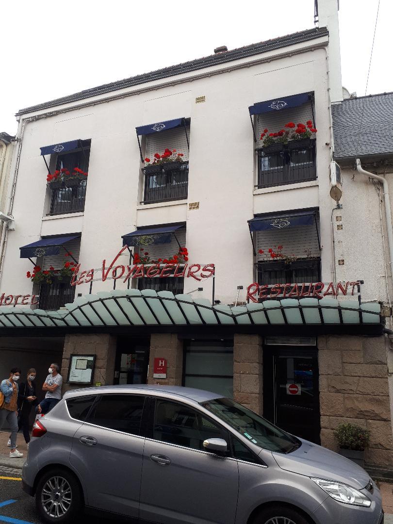 loudeac hotel les voyageurs front sep20