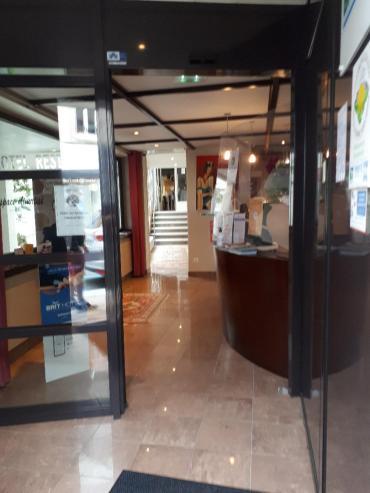 loudeac hotel les voyageurs lobby sep20