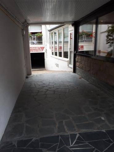 loudeac hotel les voyageurs parking underground sep20