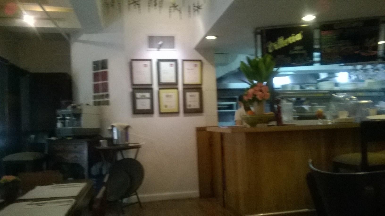 manila-apartement-1b-dining-room-makati-jan16