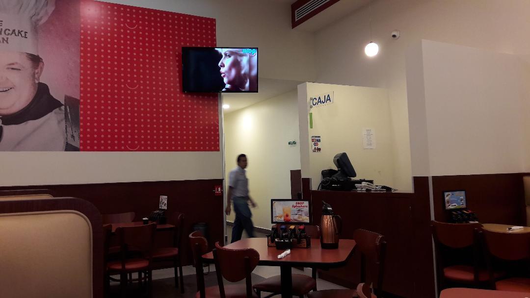 merida-altabrisas-shopping-ihop-dining-room-sep18