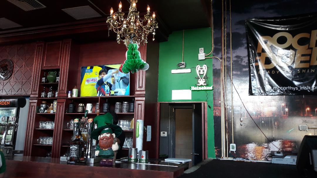 merida-la-isla-macarthys-irish-pub-lights-out-sep18