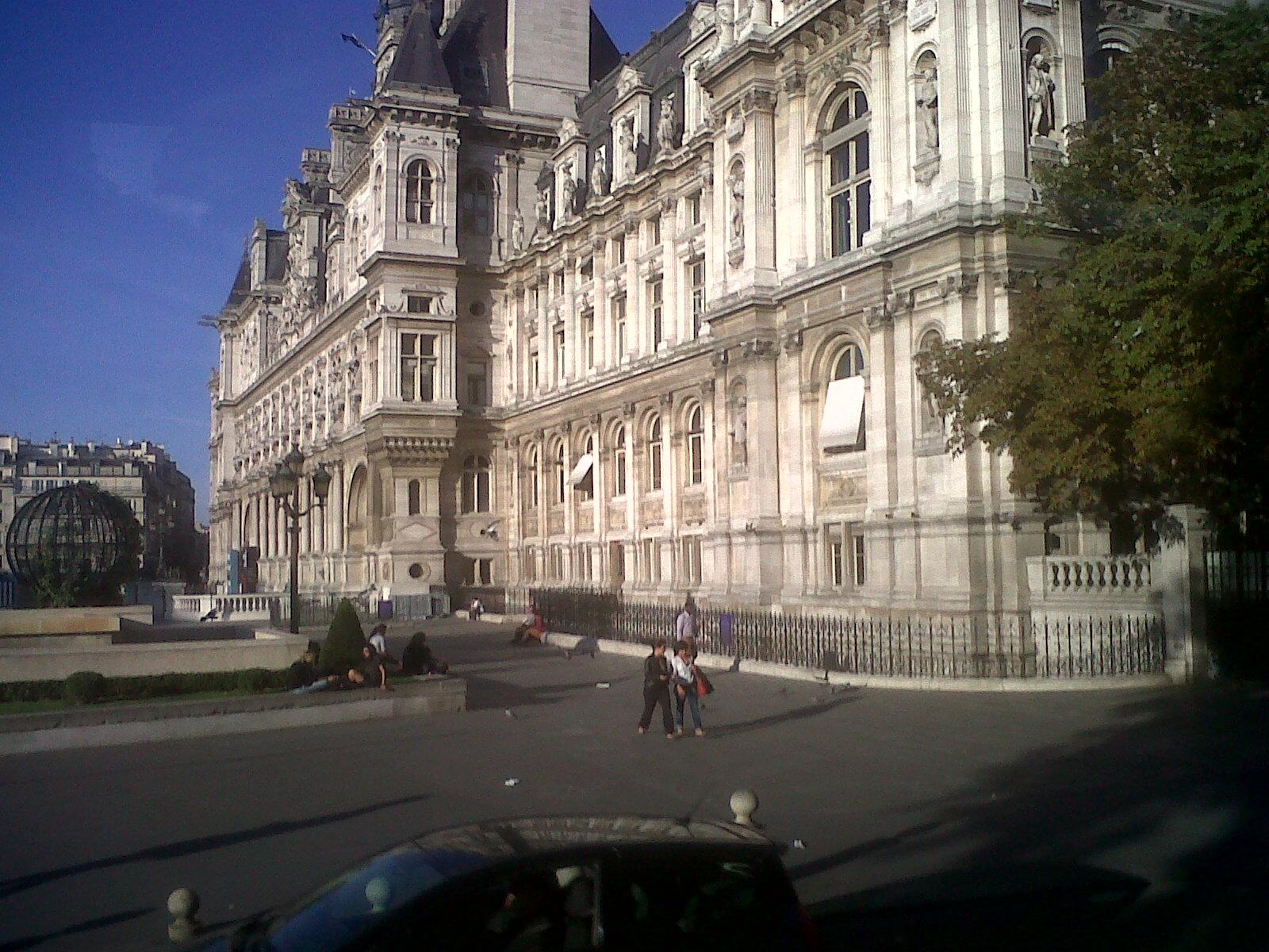 Paris hotel de ville bus 72 sep12