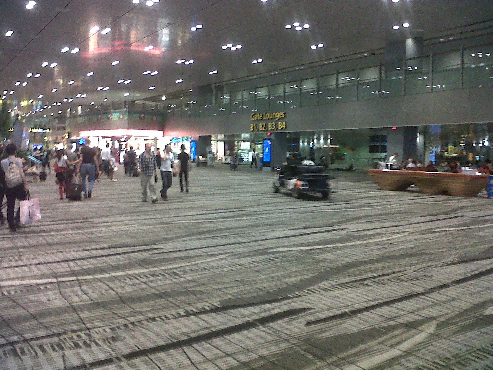 singapore-lobby-t3-changi-airpt-feb13