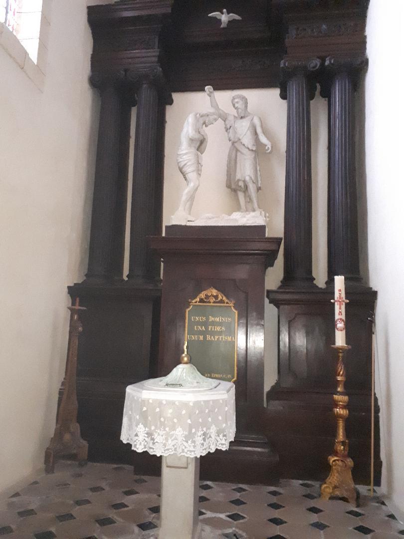 Vannes ch St Patern chapel baptismal font left side sep20