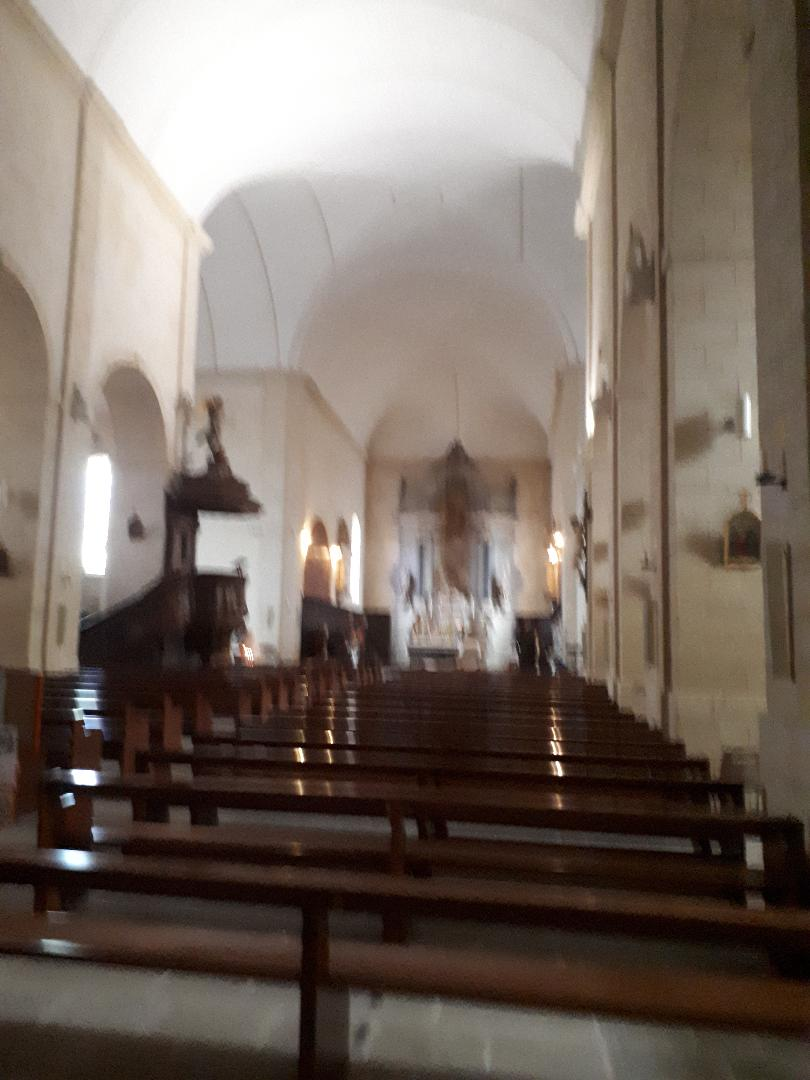 vannes ch St Patern nave to altar and pulpit sep20