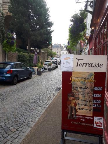 vannes rue de la fontaine le gavroche, et St Patern church sep20