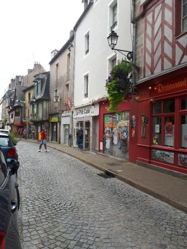 vannes rue de la fontaine to ramparts sep20