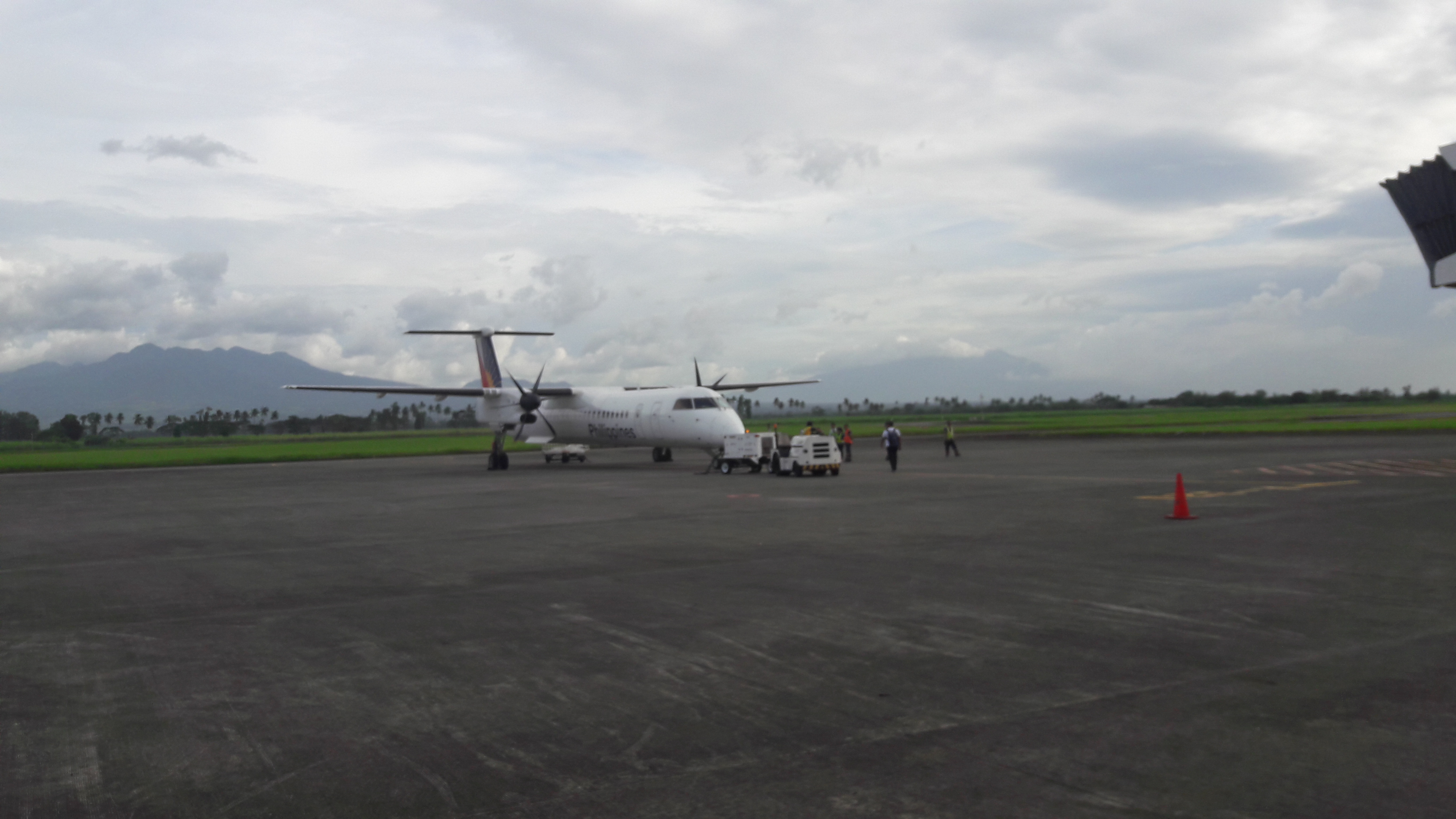 bacolod aiport bombardier Q400 to cebu jan18