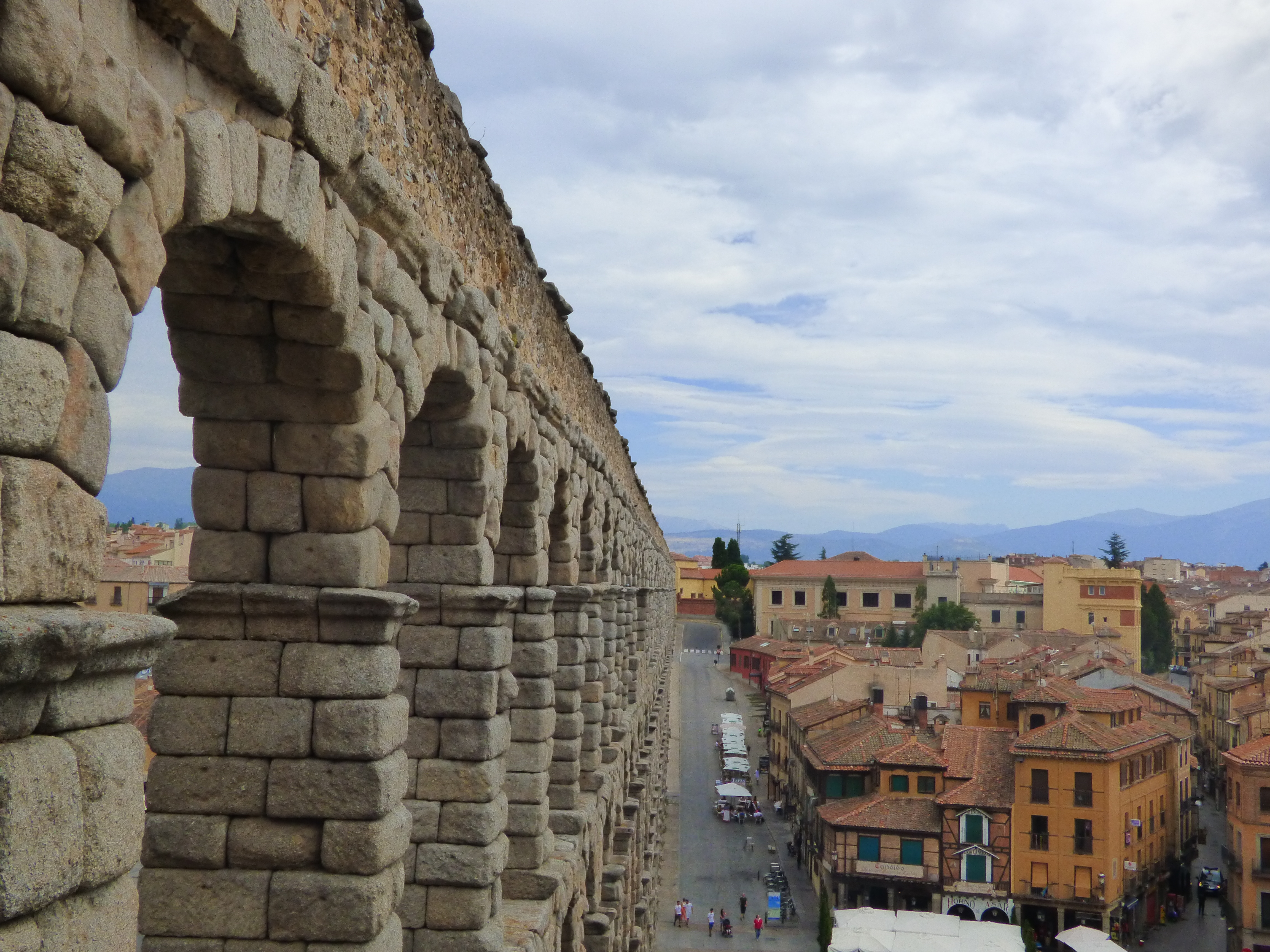 segovia aqueduct from above aug16