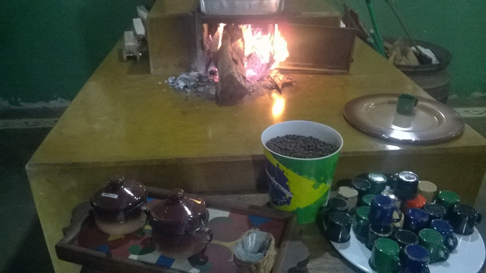 tres coracoes venda do chico cafe stand nov15