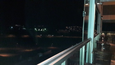 varginha-braseado-resto-on-balcony-night-may17