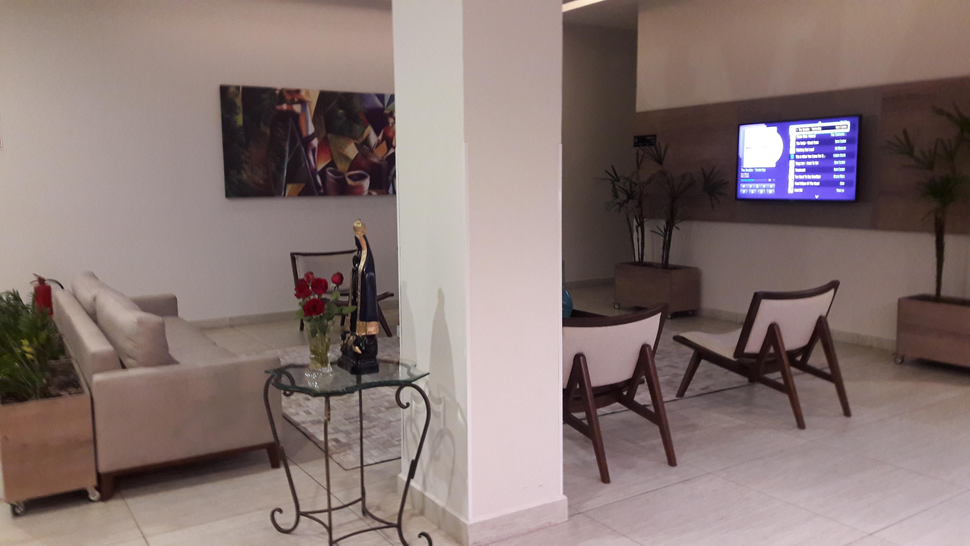 varginha-hotel-cafe-royal-lobby-may17