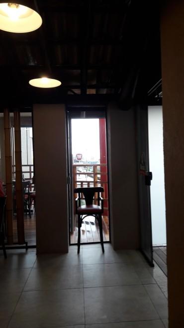 vinhedo sp o-maria resto hallway may17
