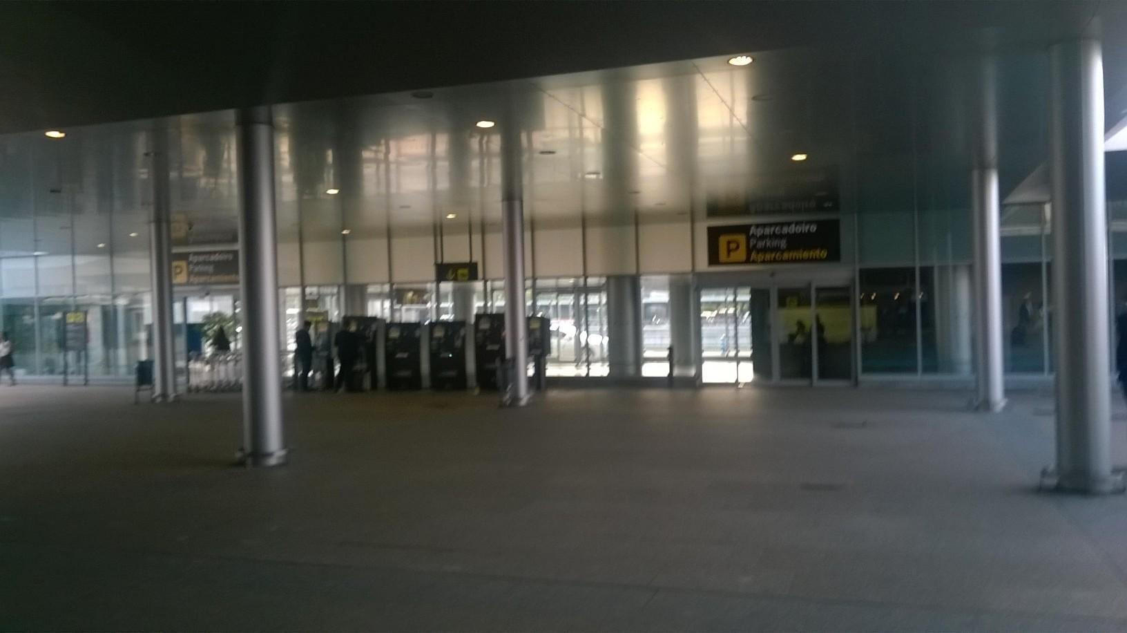a-coruna-out-airport-may16