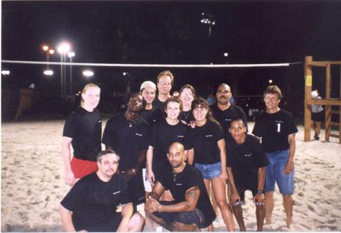 jl-audio-beach-volley-team-2001-pedro-left-seated-front-row
