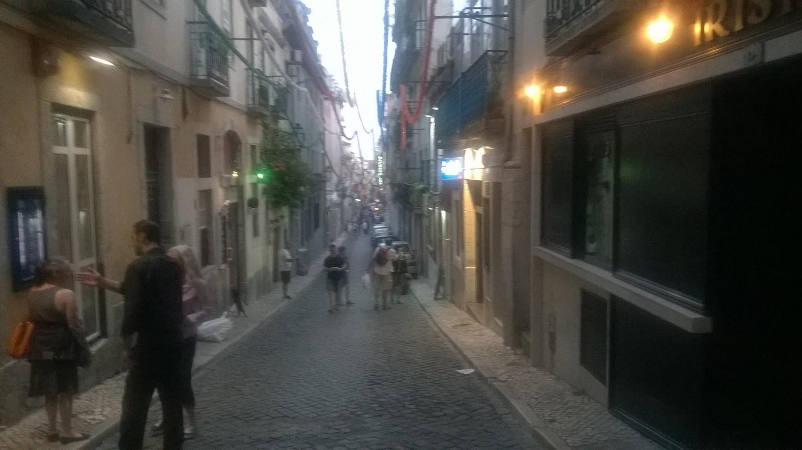 lisbon-barrio-alto-marisqueria-m-100-rua-do-norte-my15