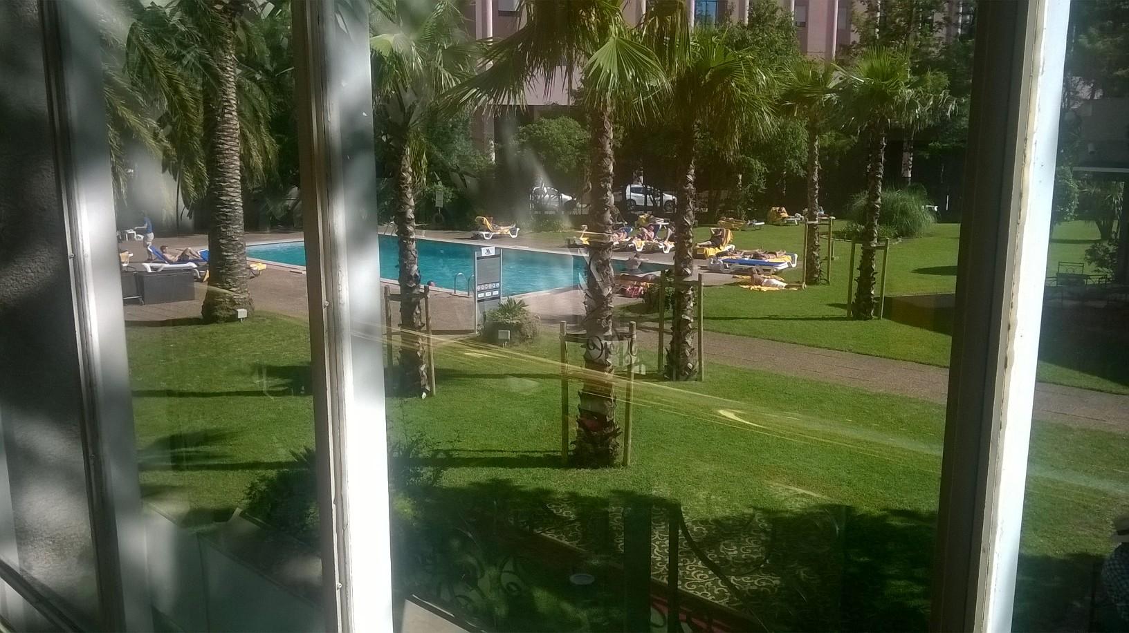 lisbon-marriott-hotel-pool-from-resto-my15