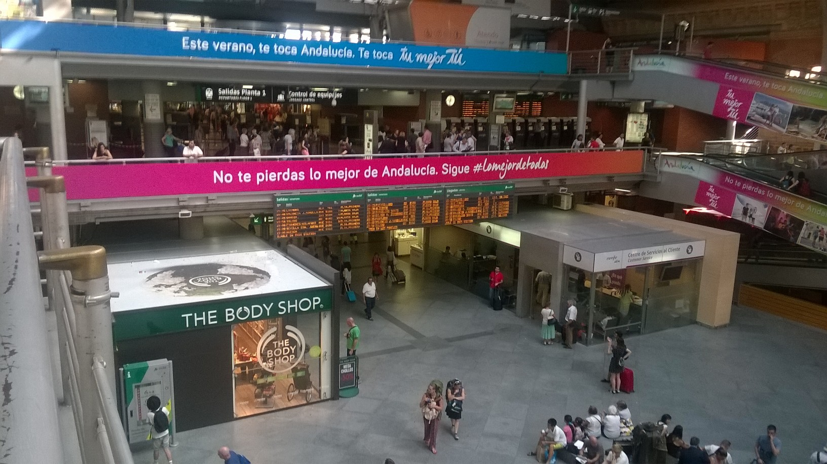 mad-atocha-national-trains-board-arriv-and-depart