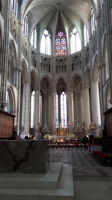 meaux-cat-st-etienne-altar-centrale-dec18