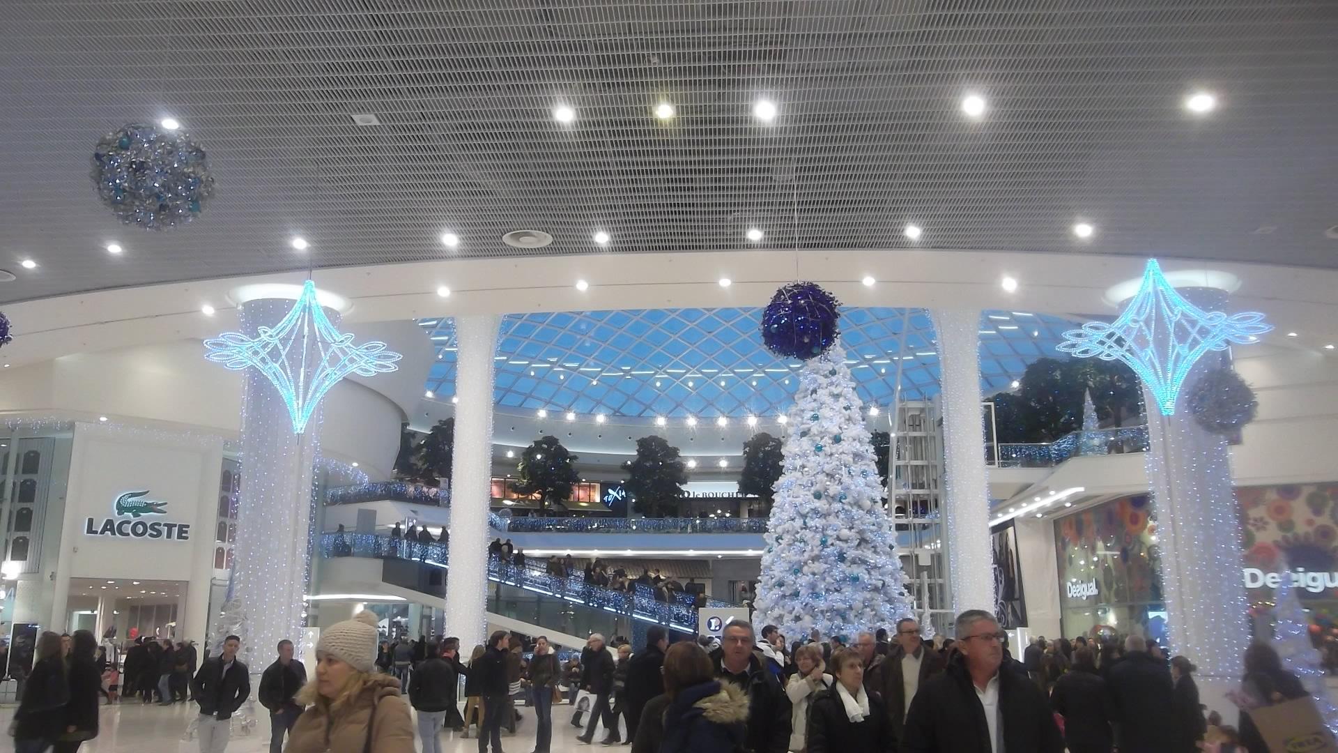 nantes christmas shop zenith dec13