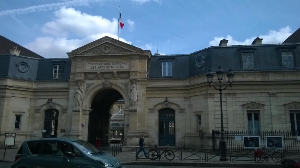 paris-arts-et-metier-museum-entrance-sept15