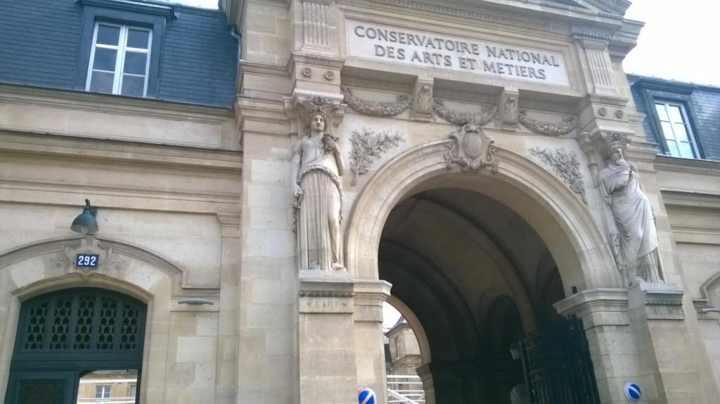 paris-arts-et-metiers-museum-entrance-sept15