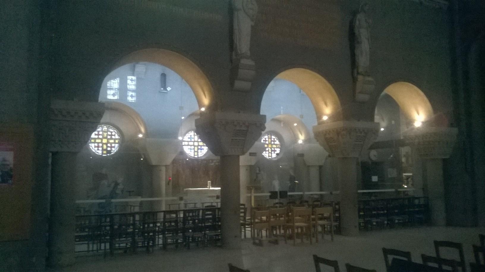 paris-ch-st-pierre-de-chaillot-side-prayer-chapel-sep16