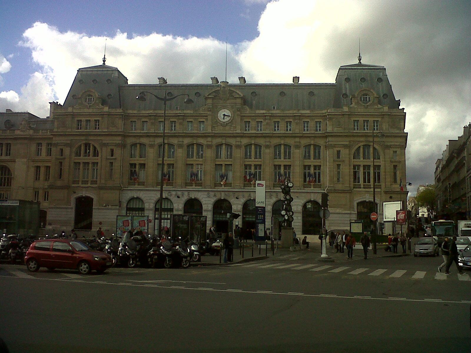 Paris gare saint lazare front 2 apr12