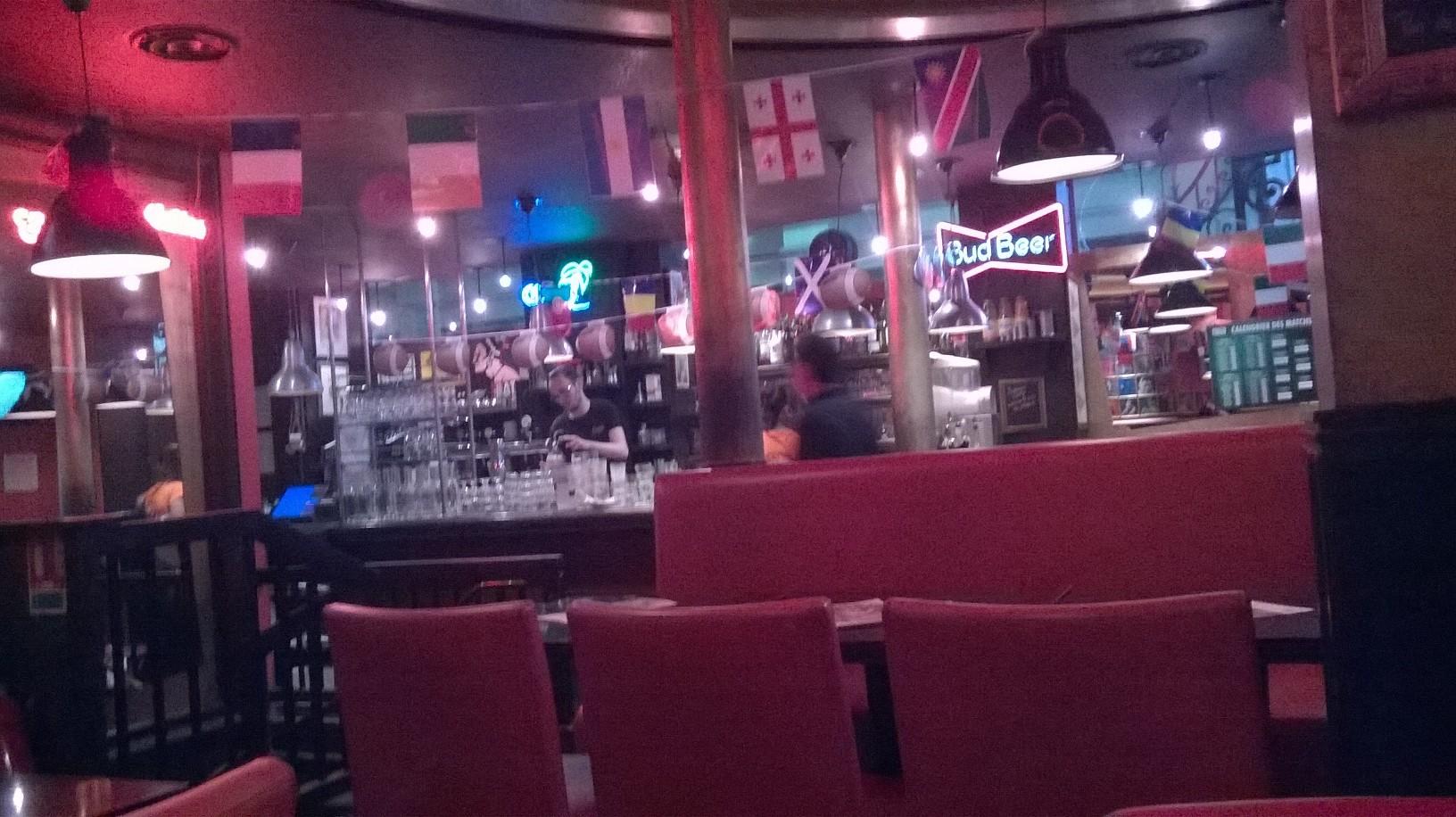 paris-indiana-cafe-counter-bar-sept15