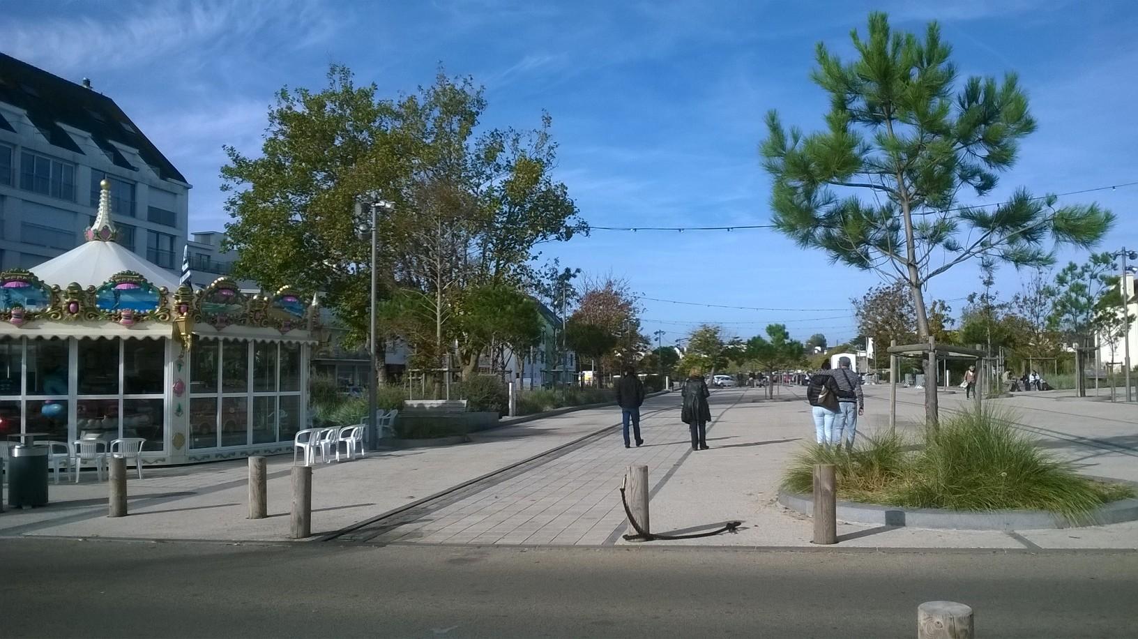 quiberon-carrousel-and-esp-hoche-to-parkings-nov16